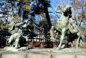 川中島古戦場にある上杉謙信と武田信玄の一騎打ちの像