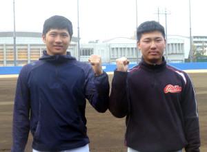 1部リーグ戦での活躍を誓う青学大の泉口(左)と森