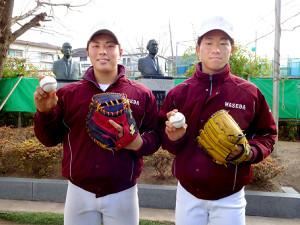2人そろってのプロ入りを目標に掲げた徳山(右)と岩本