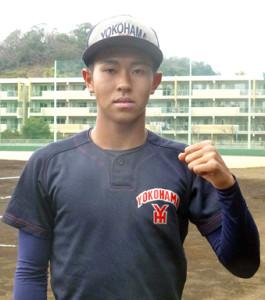 最速148キロの直球を武器に甲子園出場とプロ入りを目指す横浜・金井(神奈川・横浜市の横浜高グラウンドで)