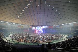 コロナ禍の中、昨年より大幅減の1万2689人の観客が見守った4日の新日本プロレス・東京ドーム大会(カメラ・泉 貫太)