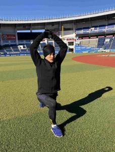 ZOZOマリンで自主トレを公開したロッテ・荻野貴司外野手