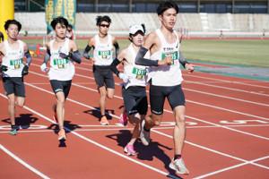 箱根駅伝からわずか1週間ながら30キロレースを走破した石原翔太郎(右)(カメラ・太田 涼)
