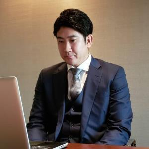 契約更改を終え、リモート取材に臨む巨人・菅野智之