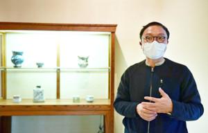 大阪万博50周年記念企画のディレクター・服部滋樹氏が民芸の魅力をアピール(提供写真)