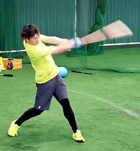 打撃練習する北條(阪神球団提供)