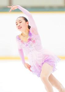 女子予選SPのA組で演技する松生理乃