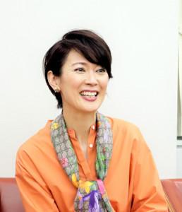 大阪国際女子マラソンの解説を担当する有森裕子さん(カンテレ提供)