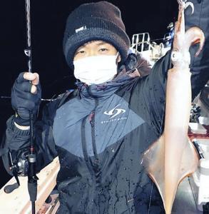 敦賀沖で釣れたヤリイカ(写真提供・豊漁丸)