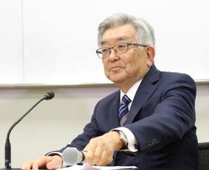 プロ野球12球団代表者会議後の記者会見をするNPB・斉藤惇コミッショナー