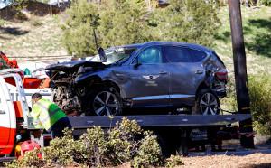 タイガー・ウッズが横転事故を起こした乗用車(ロイター)
