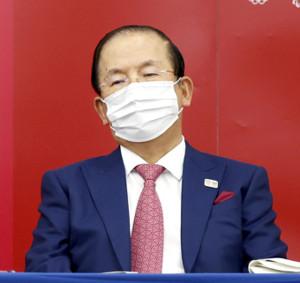東京五輪・パラリンピック組織委の理事会後に記者会見する武藤敏郎事務総長