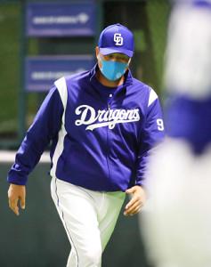 投手陣の乱調に頭が痛い与田剛監督