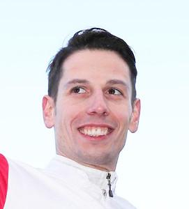 ドバイ・ターフでヴァンドギャルドに騎乗するCデムーロ