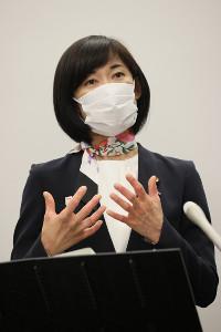 5者会談を終え、取材に応じる丸川珠代五輪担当相(代表撮影)