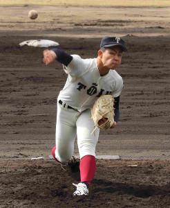 大阪桐蔭の関戸康介は今季初の練習試合で150キロをマークするなど、5回1安打無失点9奪三振