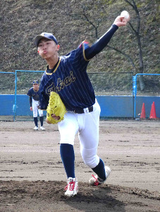 練習試合で3回無失点と好投した東海大菅生・本田