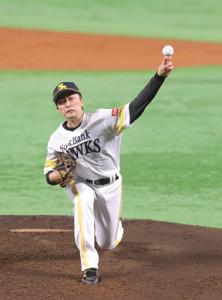 力投する先発の和田毅