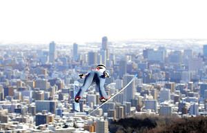 大倉山から力強く飛び出す茂野の1回目
