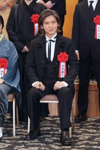 芸術選奨贈呈式に出席した岡本健一