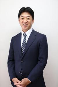 東大阪市「スポーツみらいアンバサダー」に就任する松下浩二氏(VICTAS提供)