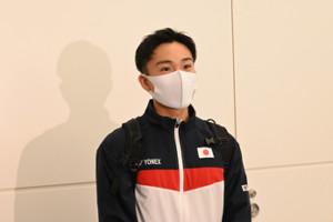 全英OP出発前に取材に応じたバドミントン男子シングルス世界ランク1位の桃田賢斗(NTT東日本)(代表撮影)