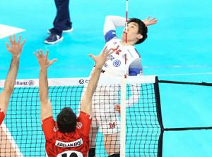 CEVカップ決勝で初戦勝利に貢献した石川祐希(パワーバレー・ミラノ提供)