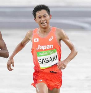 16年リオ五輪の男子マラソン。ゴールした佐々木悟氏