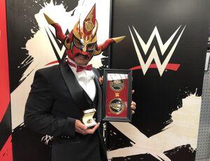 1年遅れで「WWEホール・オブ・フェーム」記念セレモニーに登場した獣神サンダー・ライガー(C)2021 WWE, Inc. All Rights Reserved.