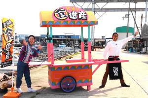 キッチン屋台で地元で愛される料理を紹介する新番組をPRする石田靖(右)と宇都宮まき