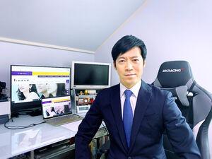 駒大の入学式がオンラインとなり自宅でライブ配信で見た東貴博(本人提供)