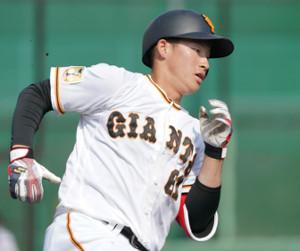 増田陸、2本目の本塁打はバックスクリーンに豪快2ラン