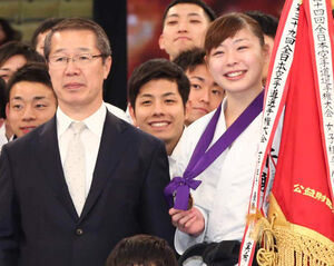 香川政夫氏(左)と、植草歩