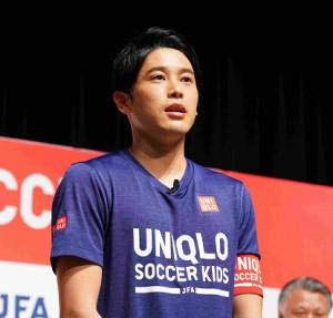 「JFAユニクロサッカーキッズ」キャプテンに就任した元日本代表DFの内田篤人氏(日本サッカー協会提供)