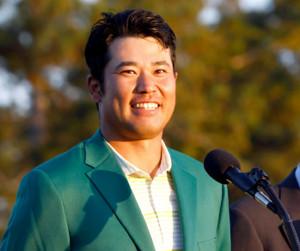 マスターズを制し、グリーンジャケットを着た松山英樹(ロイター)