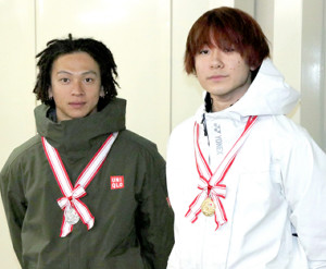8年ぶり全日本選手権で準優勝した平野歩夢(左)と2連覇を達成した戸塚優斗