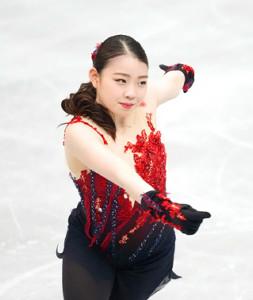 女子SPで演技する紀平梨花(代表撮影)