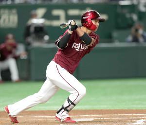 7回無死二塁、黒川史陽は勝ち越しの適時打を右線に放つ