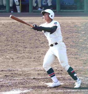 4回2死一塁、市和歌山の松川虎生が左越えに2打席連続の2ランを放つ