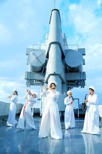 10年ぶりにオリジナルアルバム「音楽」をリリースする「東京事変」の椎名林檎(中央)ら