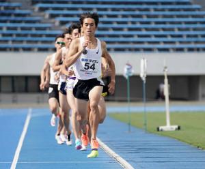 賞金レースの創設を発表した横田氏。レースではペースメーカーも務めるなど、指導者の枠を越えて活躍