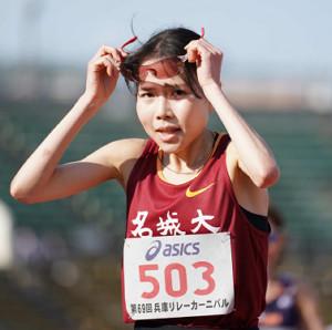 女子5000メートルを制した名城大・小林成美