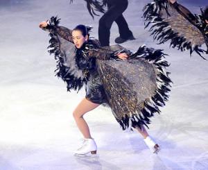 千秋楽公演で華麗なスケートを見せる浅田真央さん(カメラ・小泉 洋樹)