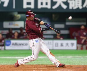 5回2死一、三塁、同点適時二塁打を放つ浅村栄斗
