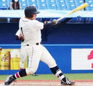 満塁弾を含む5打点の活躍を見せた国学院大・福永