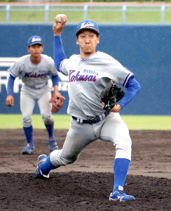 関西国際大の翁田大勢は8回から登板し、3四球で4失点を喫し15球で降板した