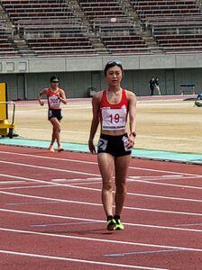 女子5000メートル競歩で優勝した東京五輪代表の岡田久美子(カメラ・細野友司)