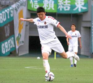 金沢のFW瀬沼は松本戦でJ2通算200試合出場となった(写真は3月20日の東京V戦)