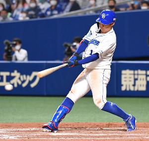 9回1死一、三塁、京田陽太が右前に同点適時打を放つ