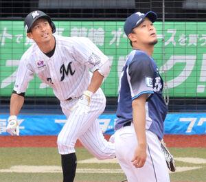 1回、荻野(左)に先頭打者本塁打を打たれた平井克典